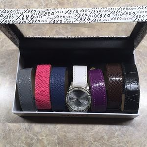 Watch with interchangeable bands